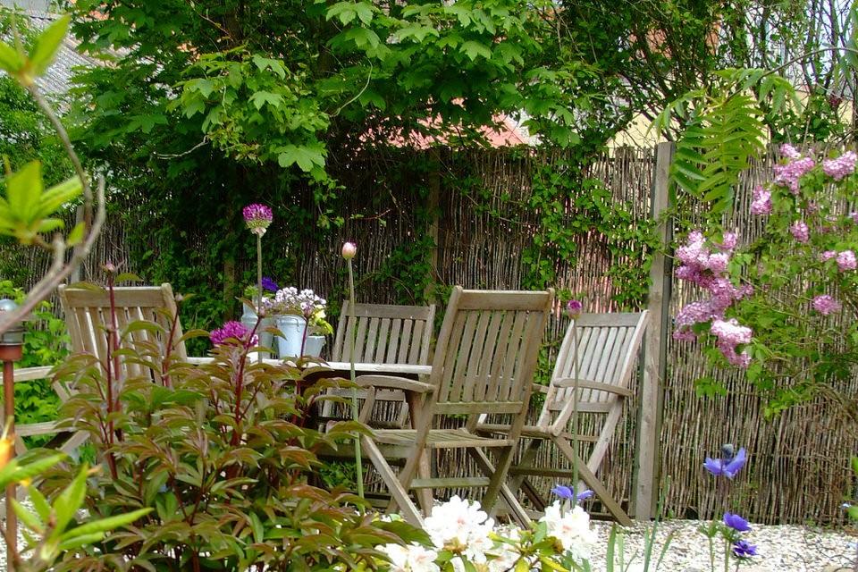 Bord i haven