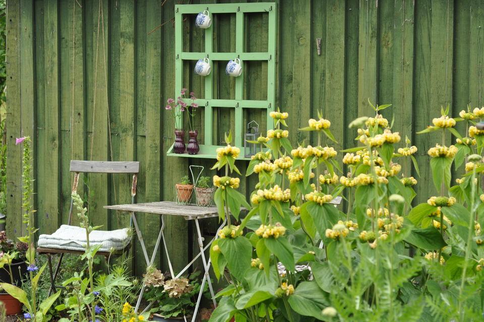 Siddeplads i haven