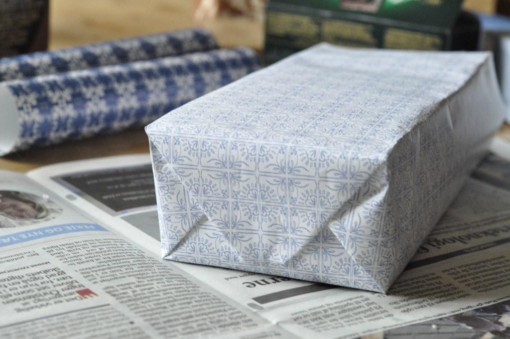 Genbrug julens gavepapir. Lav dine egne gaveposer.