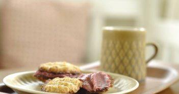 Havrekager med hindbærcurd