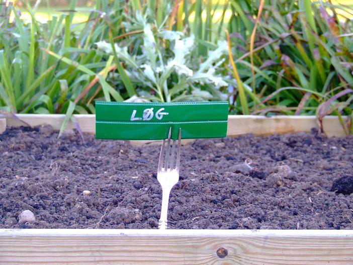 Genbrug i haven - Planteskilt af gaffel og dækserviet