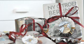 Bæredygtig gaveindpakning med aviser og hjemmelavede gavemærker